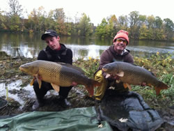 Sean Lehrer (22.2) and Paul Russell (18.9) with two commons caught during day 2 of the 2011 Wild Carp Fall Qualifier