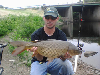 Jason Carl with an 11 lb common